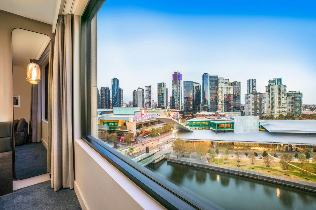 Crowne Plaza Melbourne Riverview Suite Window