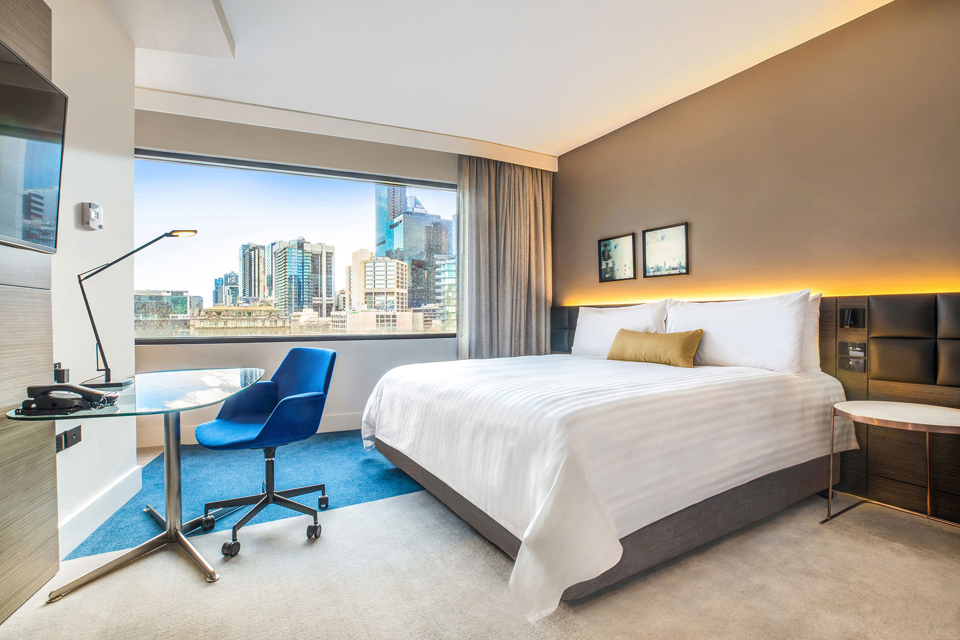 Standard king room Crowne Plaza Melbourne