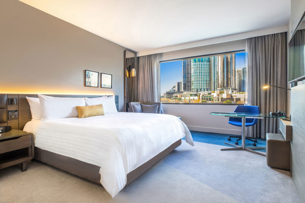Crowne Plaza Melbourne Superior King room