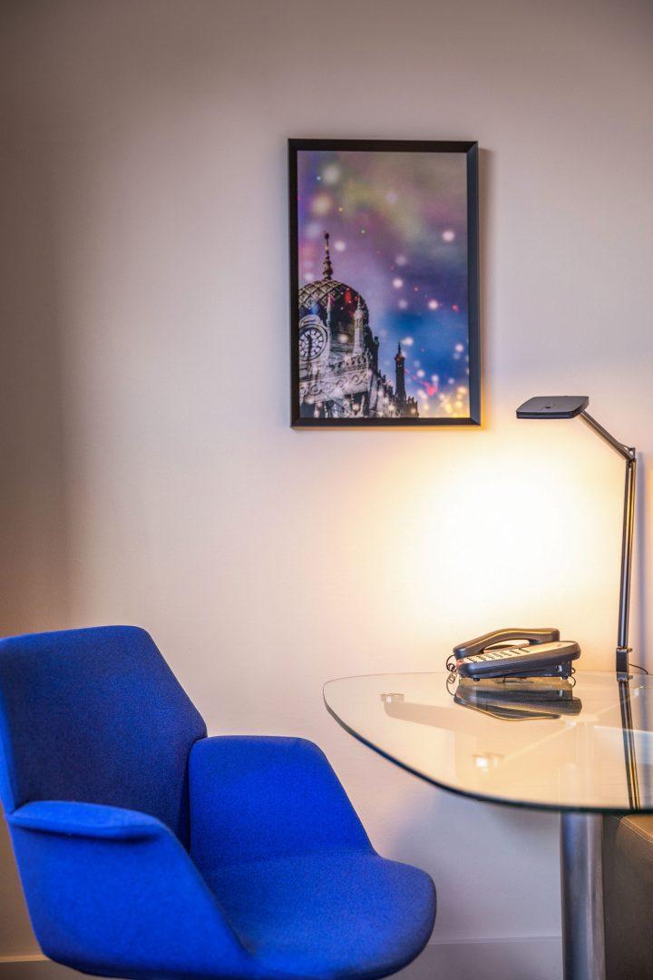 room desk Crowne Plaza Melbourne