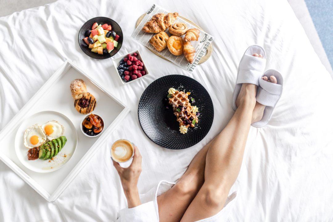 Breakfast-Room-Service-Crowne-Plaza-Melbourne-Hotel