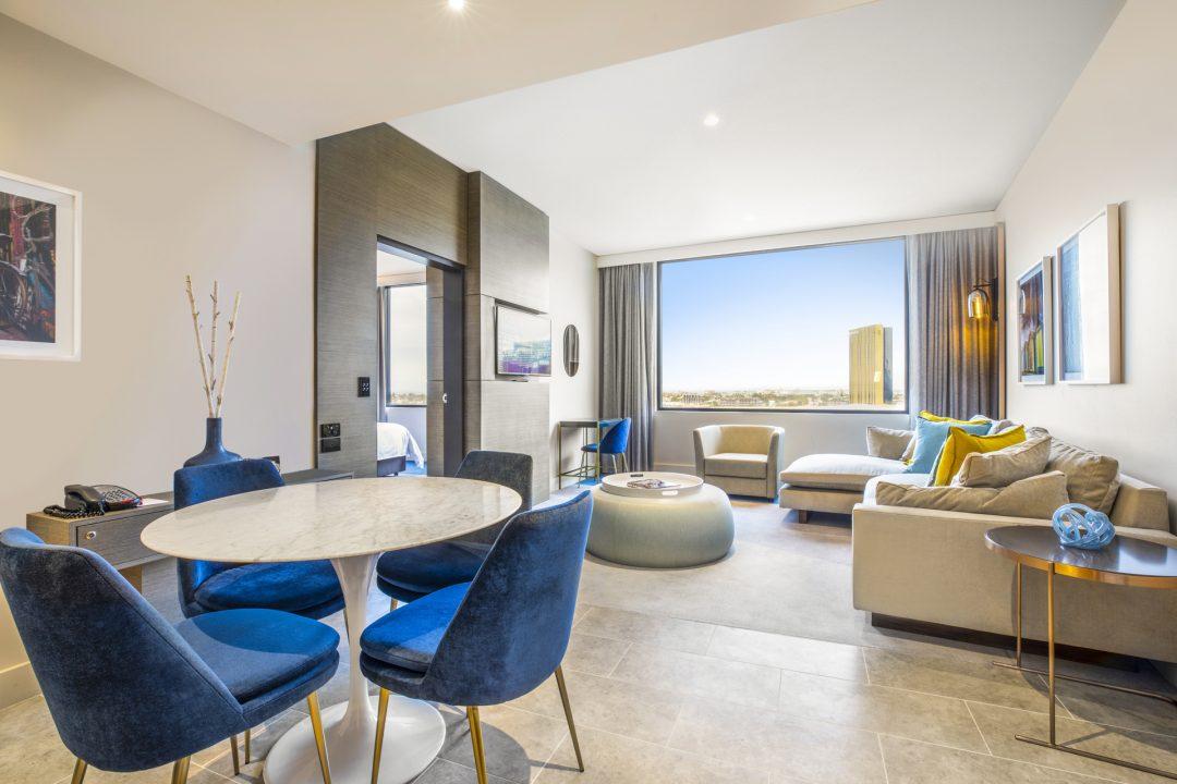 Hero-Riverview-Suite-Crowne-Plaza-Melbourne-Hotel