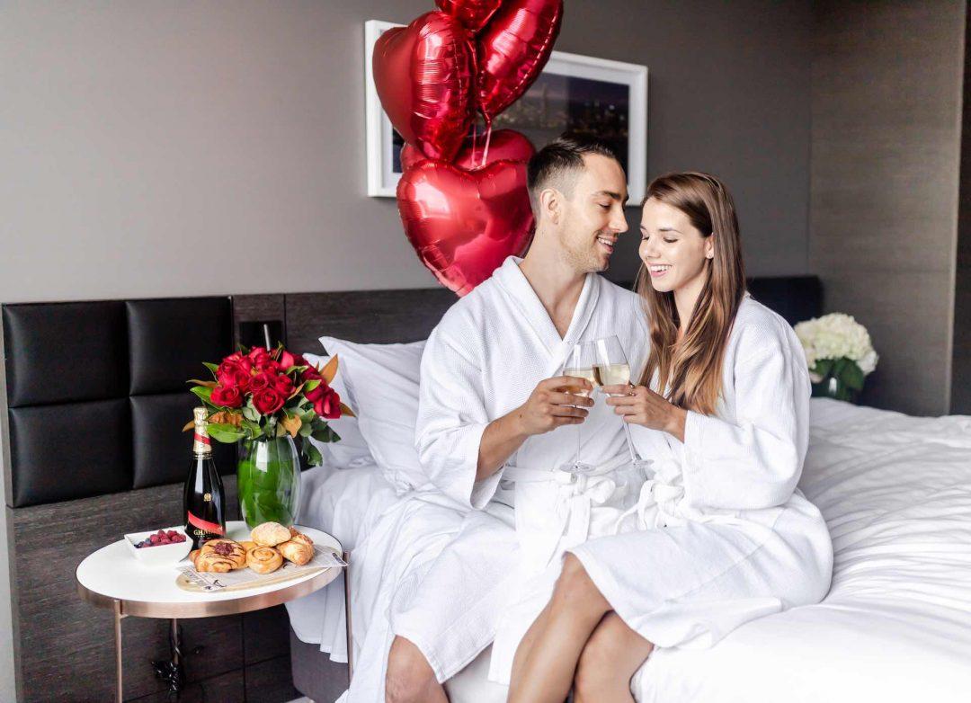 Romantic-Accommodation-Crowne-Plaza-Melbourne